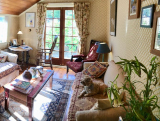 The Gables guest sitting room